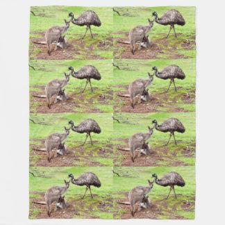 Kängurus und Emu, große Fleece-Decke Fleecedecke