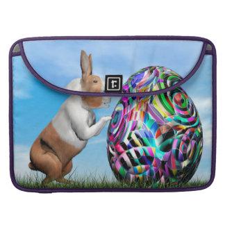 Kaninchen, das Osterei drückt - 3D übertragen Sleeve Für MacBook Pro