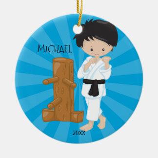 Karate-Jungen-personalisierte Weihnachtsverzierung Keramik Ornament
