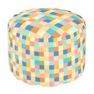 Kariertes Druck-Quadrat-Muster helles Mehrfarbens Hocker