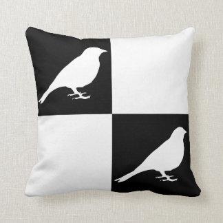 Kariertes schwarzes u. weißes Vogel-Kissen Kissen