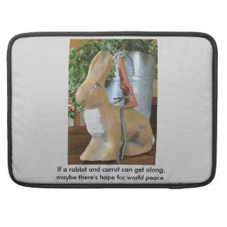 Karotte u. Kaninchen = Frieden für die Welt? Sleeve Für MacBooks
