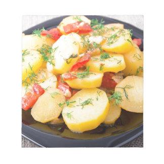 Kartoffeln mit Zwiebel, grünem Pfeffer und Fenchel Notizblock