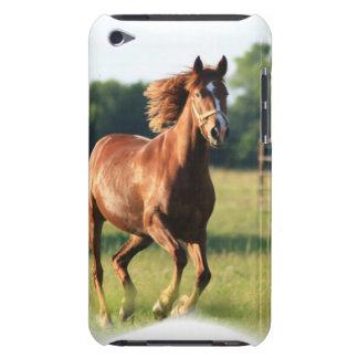 Kastanien-galoppierender PferdiTouch Fall iPod Case-Mate Case
