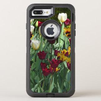 Kastanienbraune und gelbe Tulpe-buntes Blumen OtterBox Defender iPhone 8 Plus/7 Plus Hülle