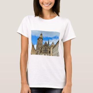 Kathedrale St. Elisabeth in Kosice, Slowakei T-Shirt