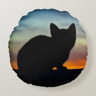 Kätzchen-Silhouette mit Rundes Kissen