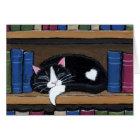 Katze der Buch-Liebe- , die auf Karte