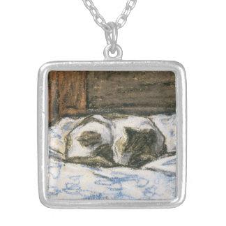 Katze, die auf einem Bett durch Claude Monet Versilberte Kette