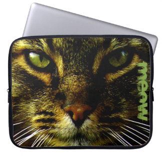 Katzen-Haustier, das Augen-Foto-Text Hypnotizing Laptop Sleeve