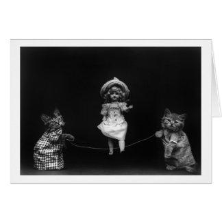 Katzen mit Puppe Mitteilungskarte