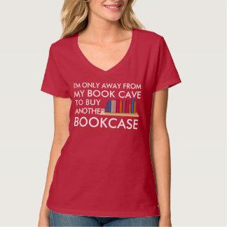 Kaufen eines anderen Bücherschranks T-Shirt
