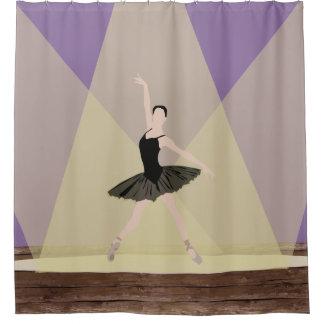 Kaukasische Ballerina auf Bühne-Duschvorhang Duschvorhang