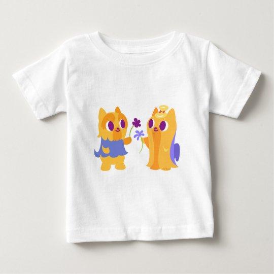 Kawaii Hundebester Freund Yorkies, der Blumen gibt Baby T-shirt