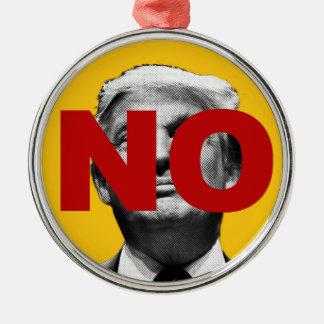 Kein Trumpf (Gelb und Rot) Rundes Silberfarbenes Ornament