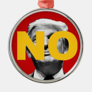 Kein Trumpf (Rot und Gelb) Rundes Silberfarbenes Ornament