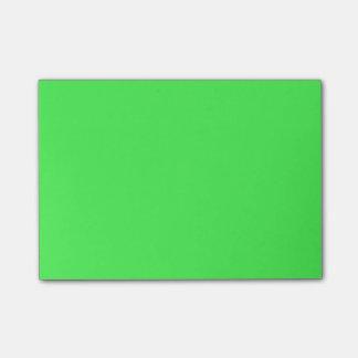 Kelly grüner heller FarbTrend des Post-it Klebezettel