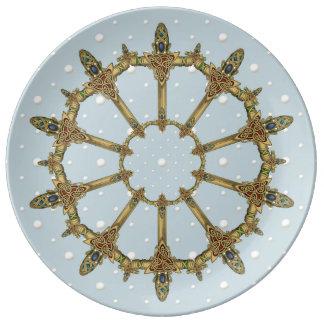 Keltische Schwerter mit Perlen Porzellanteller