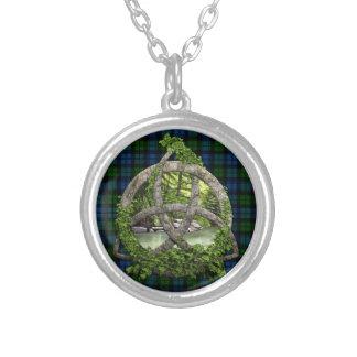 Keltischer Dreiheits-Knoten und Halskette Mit Rundem Anhänger