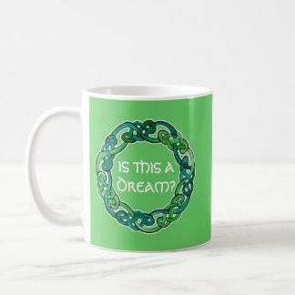 Keltischer klarer träumender Wirklichkeits-Karo Tasse