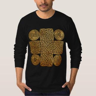 Keltisches Knüpfarbeit-Kreuz T-Shirt