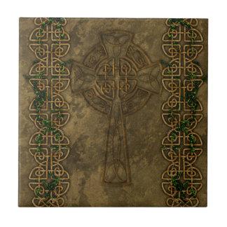 Keltisches Kreuz und keltische Knoten Kachel