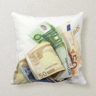 Kissen voller Geld