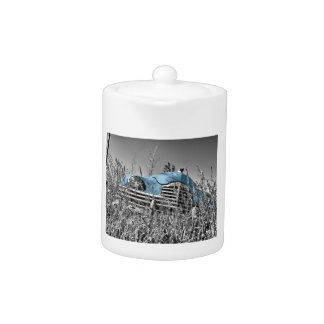 Klassisches blaues Auto-Schwarzweiss-Feld