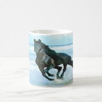 klassisches Tassenweiß mit festem schwarzem Pferd Kaffeetasse