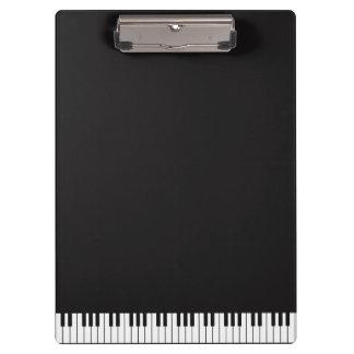 Klavier befestigt Klemmbrett