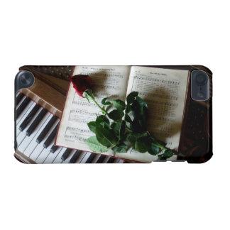 Klavier-Schlüssel, Musikbuch und Rose iPod Touch 5G Hülle