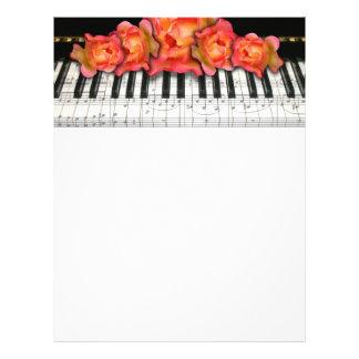 Klavier-Tastatur-Rosen und Musiknoten Bedruckte Flyer