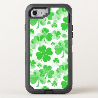 Kleeblätter tätowieren nahtloses Muster + Ihre OtterBox Defender iPhone 8/7 Hülle