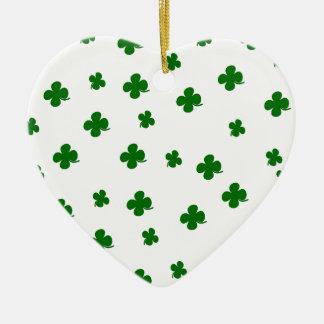 Kleemuster St. Patricks Tages Keramik Herz-Ornament