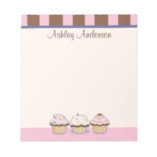 Kleine Kuchen und Streifen-persönlicher Notizblock
