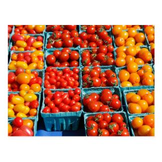 Kleine rote und orange Tomaten Postkarte