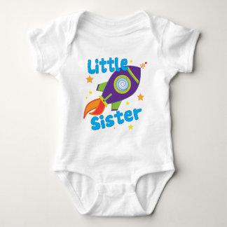 Kleine Schwester-Rocket-Schiff Baby Strampler