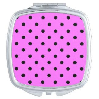 Kleine Tupfen - Schwarzes auf ultra rosa Taschenspiegel