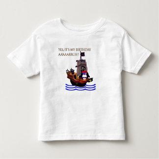 Kleiner Piratengeburtstag Kleinkind T-shirt
