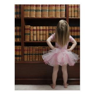 kleines Mädchen in den Postkarte