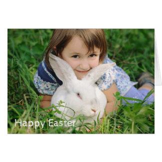 Kleines Mädchen mit weißem Kaninchen Karte