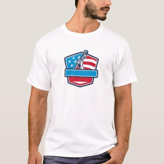 Klempner-Handrohr-Schlüssel USA-Flaggen-Schild T-Shirt