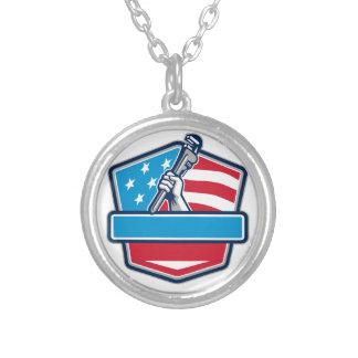 Klempner-Handrohr-Schlüssel USA-Flaggen-Schild Versilberte Kette