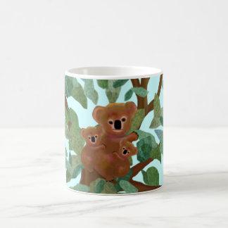 Koala im Eukalyptus Kaffeetasse