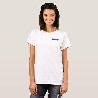 Kodieren Sie den Sucher, der auf dem Felsen T-Shirt