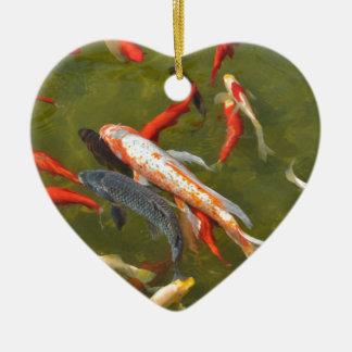 Koi Karpfen im Teich Keramik Herz-Ornament