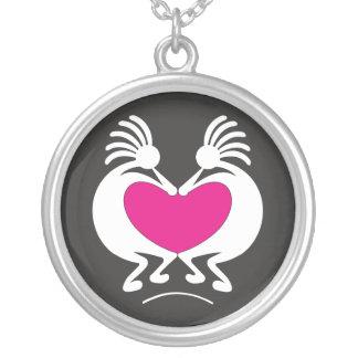 Kokopelli mit rosa Herz Valentinstag Versilberte Kette