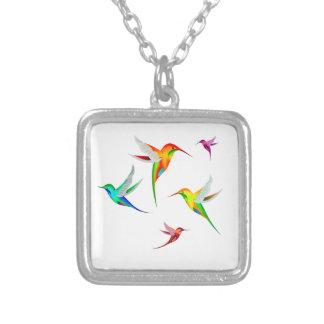 Kolibri-Menge niedlich - buntes Vogel-Aufpassen Versilberte Kette