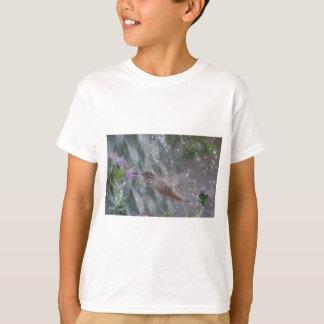 Kolibri - spielend im Regen T-Shirt