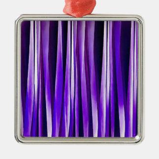 Königliches Lila, Flieder und silbernes Stripy Quadratisches Silberfarbenes Ornament